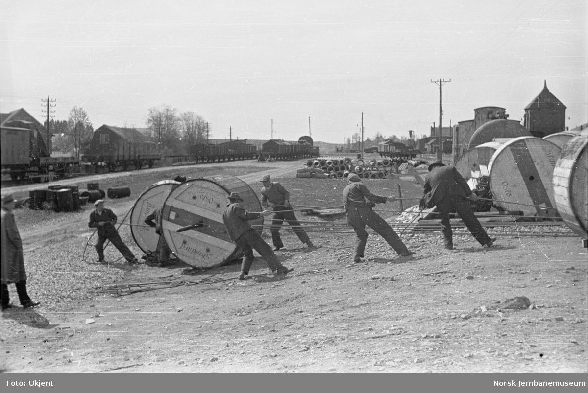 Østfoldbanens elektrifisering : kabelarbeider