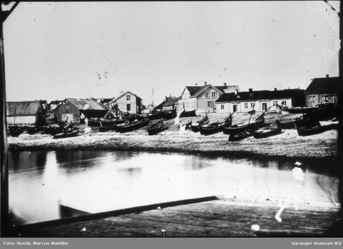 Festningsgata og Valen, nordlandsbåter i forgrunnen