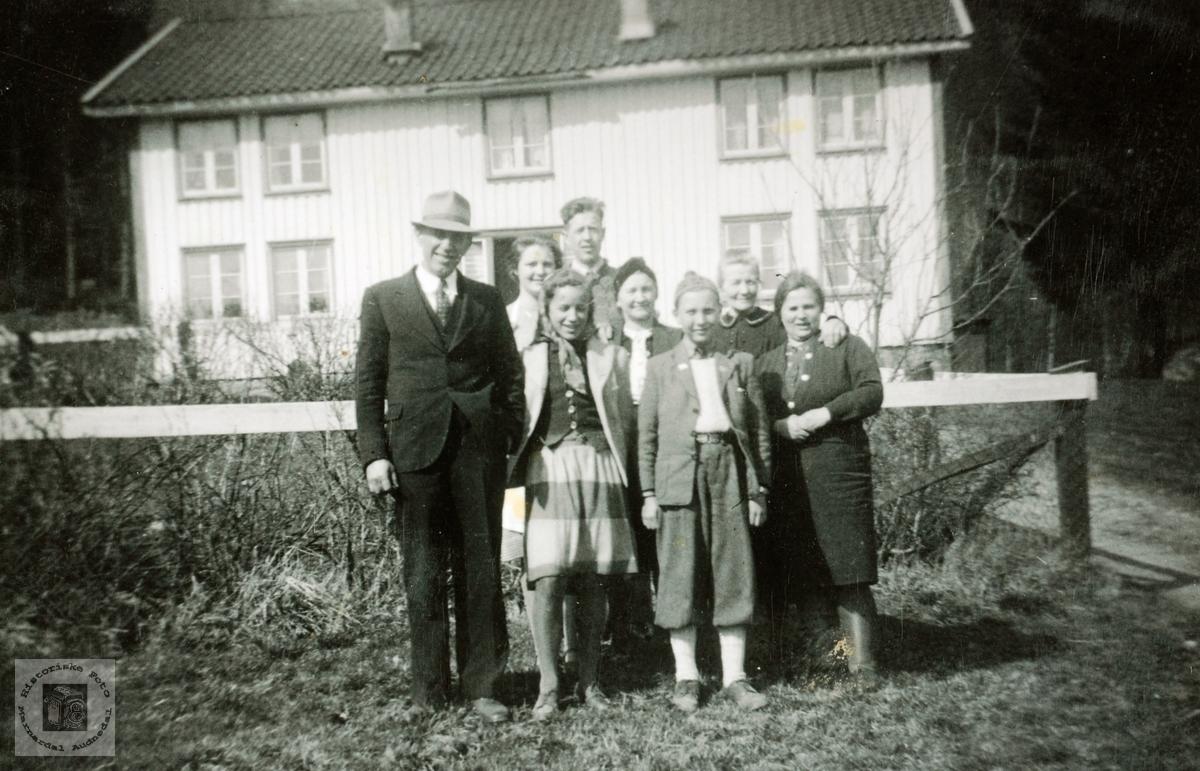 Besøk fra Kristiansand på Høyland. Grindheim Audnedal.