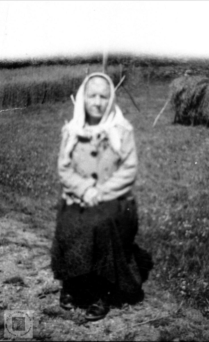 Portrett av Astrid Rydlende, Bjelland.