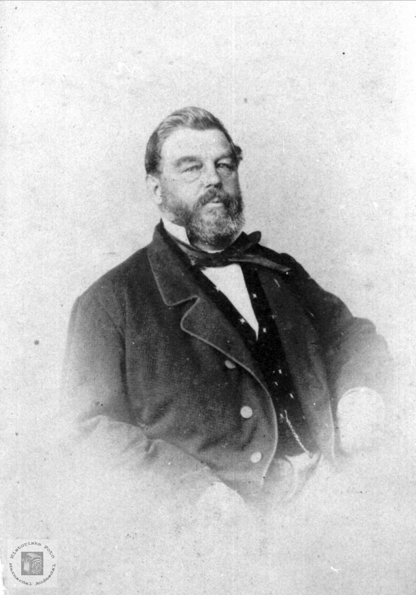Portrett av kjøpmann Hans Conrad Lautrup.