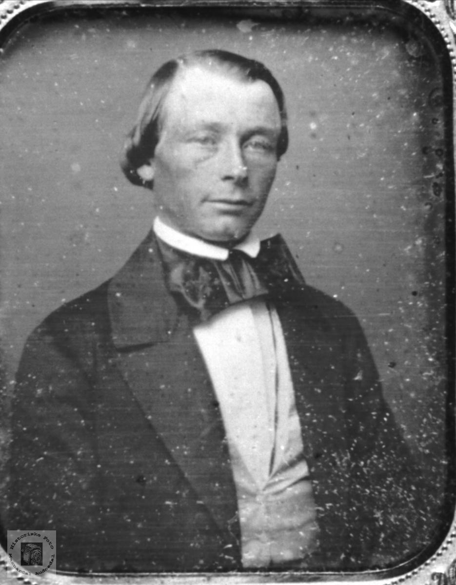 Ambrotypi. Gammelt foto fra før 1880, Øyslebø området.
