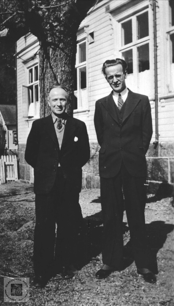 Øyslebø lærerne Magnus Vestrheim og Harald Feed, Øyslebø.