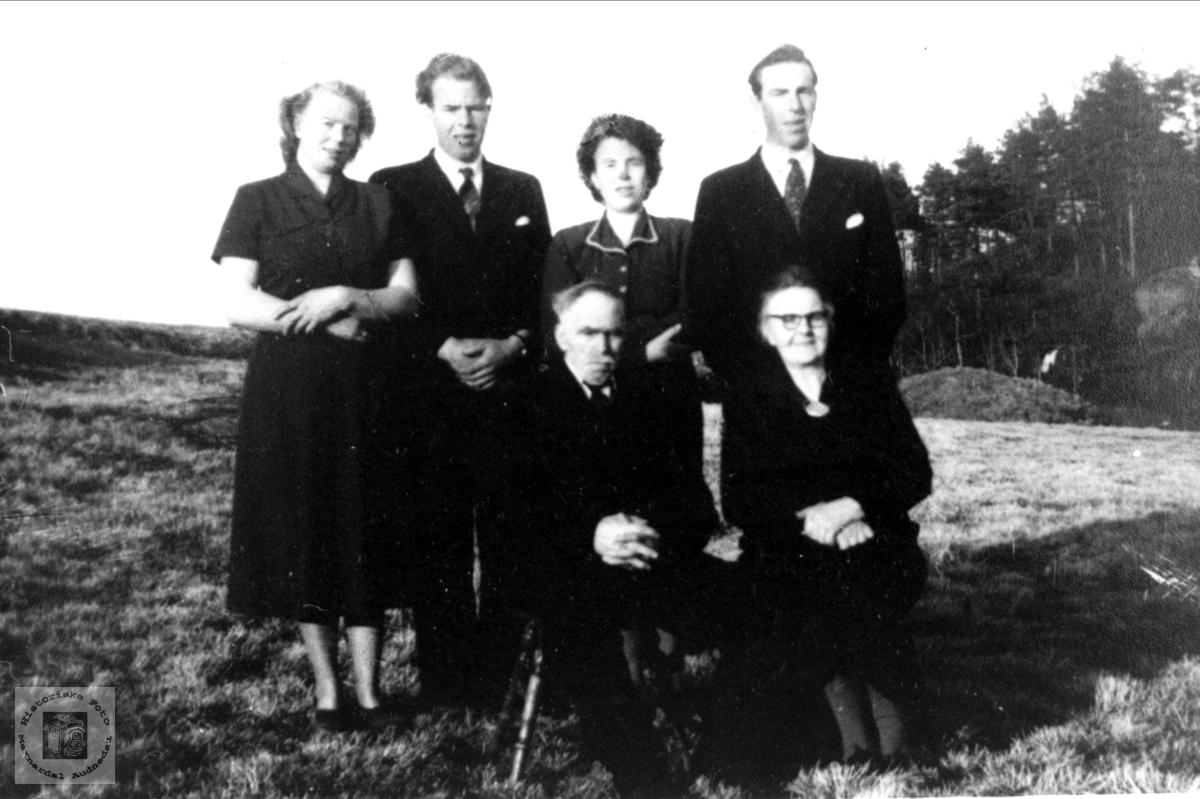 Gruppeportrett Falk, Øyslebø.