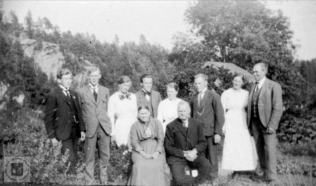 Familiebilde Fidjestøl, Øyslebø.