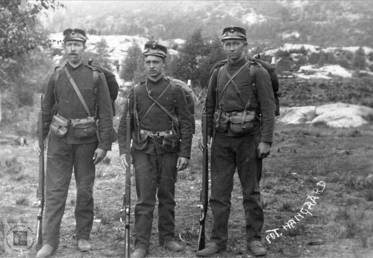 Soldater fra Øyslebø området. Marnardal.