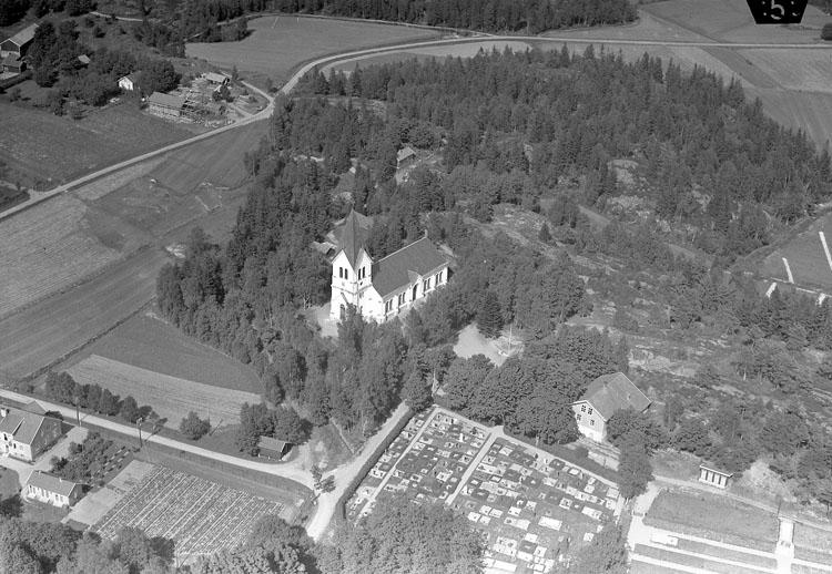 """Enligt Flygtrafik Bengtsfors: """"Lane- Ryr kyrka Bohuslän""""."""