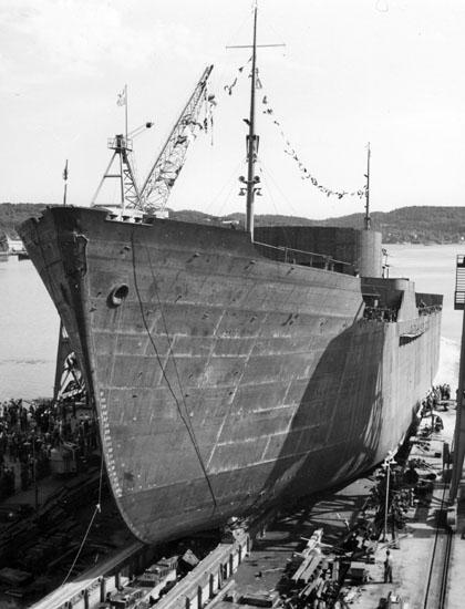 Sjösättning av fartyg 124 M/T Astrid Elisabeth.