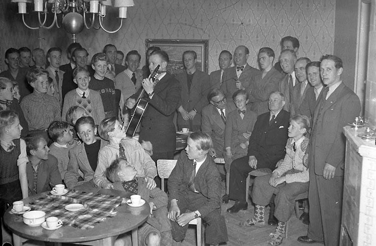 """Enligt notering: """"I.F.K. Ungdomsgård 20/5 1949""""."""