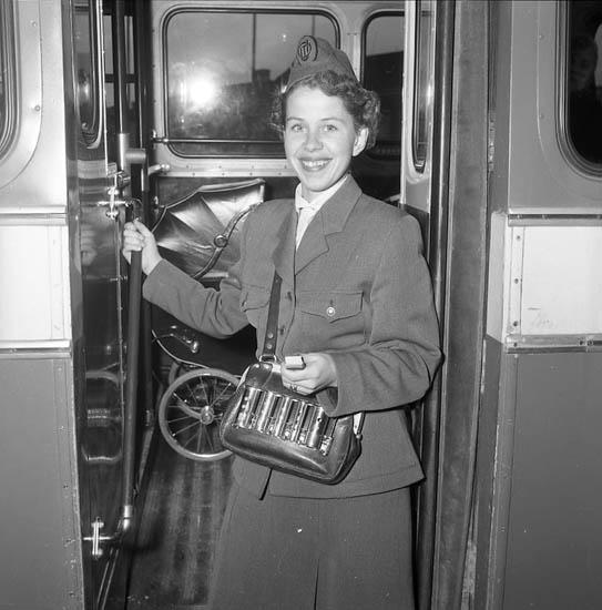 """Enligt notering: """"För G-T. Siv konduktör Uddevallaomnibusstrafik 23-11-1955""""."""