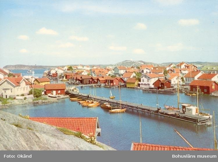 """Noterat på kortet: """"Parti av Gullholmen"""". """"Förlag: Firma H. Lidenhag, Göteborg""""."""