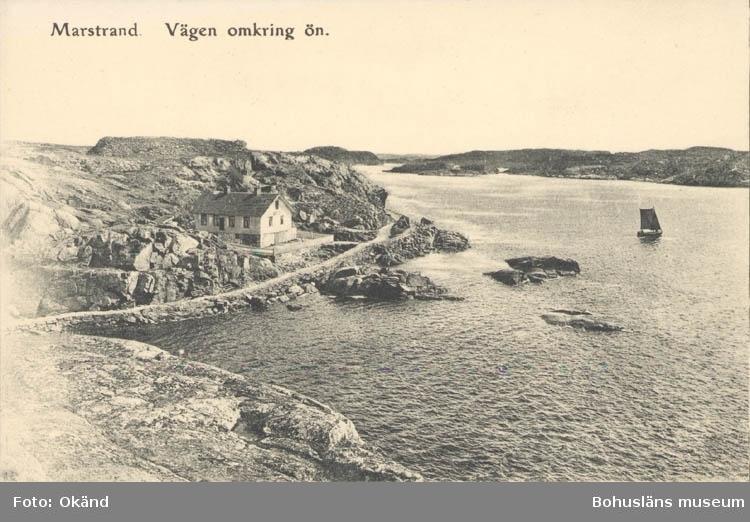 """Tryckt text på kortet: """"Marstrand. Vägen omkring ön."""" ::"""
