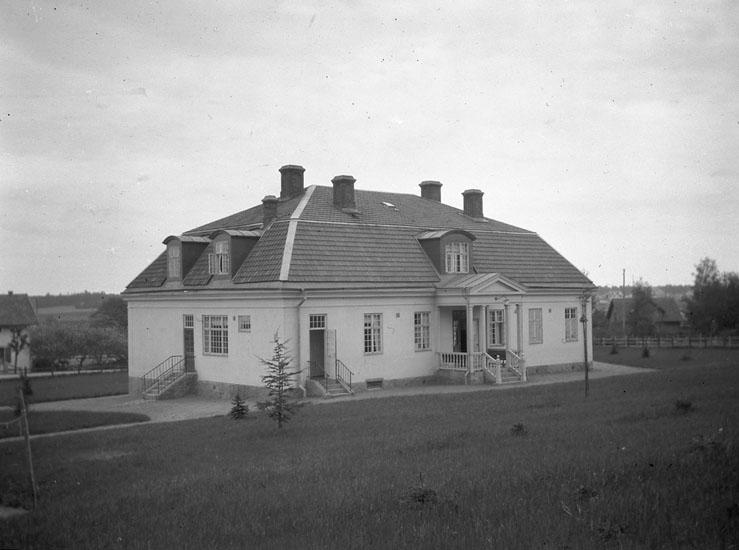 """Enligt text som medföljde bilden: """"Östergötland. Epidemisjukstuga vid Mjölby."""""""