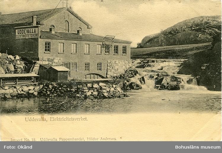 """Tryckt text på vykortets framsida: """"Uddevalla, Elektricitetsverket."""" ::"""