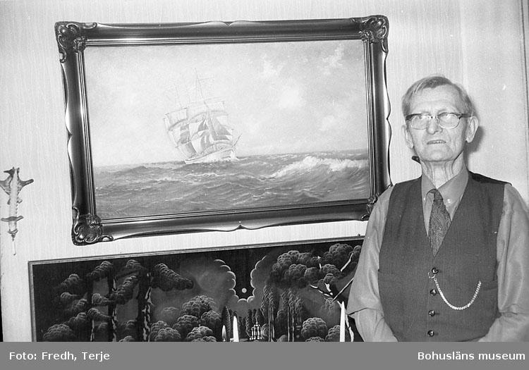 """Enligt fotografens notering: """"Skeppare Konrad Berntsson Hunnebo"""".   ::"""