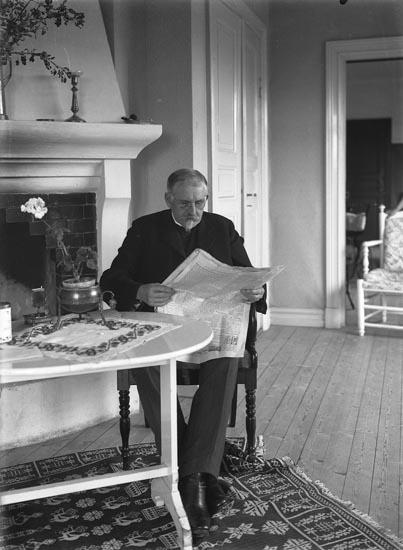 """Enligt fotografens noteringar: """"Patron Kilman Björkebo - död omkring 1917."""""""