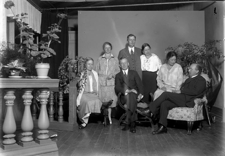 """Enligt fotografens journal 6 1930-1943: """"Erling, Kyrkoherde Lund""""."""