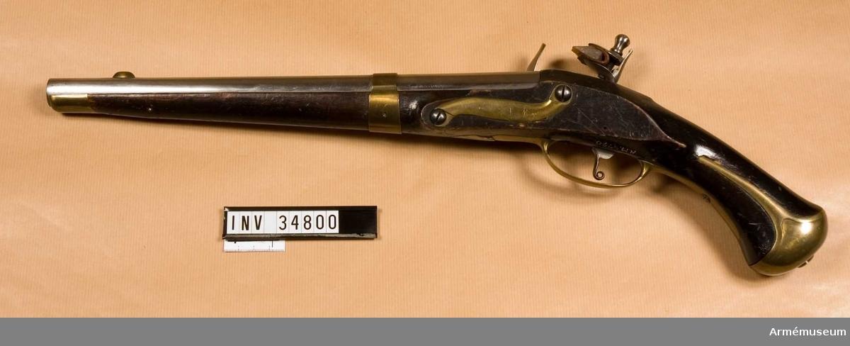Grupp E III b. Förändring från m/1738 under 1800-talets början. Pipan har mässingbeslag, ett band kring pipan. Saknar stämplar och märken. På kammarstycket finns en stark nedslipad stämpel, som kan vara NT (Norrtälje).