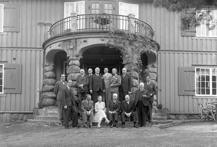 """Enligt fotografens journal nr 6 1930-1943: """"Aspegren, Konsul Styrelsesammanträde""""."""