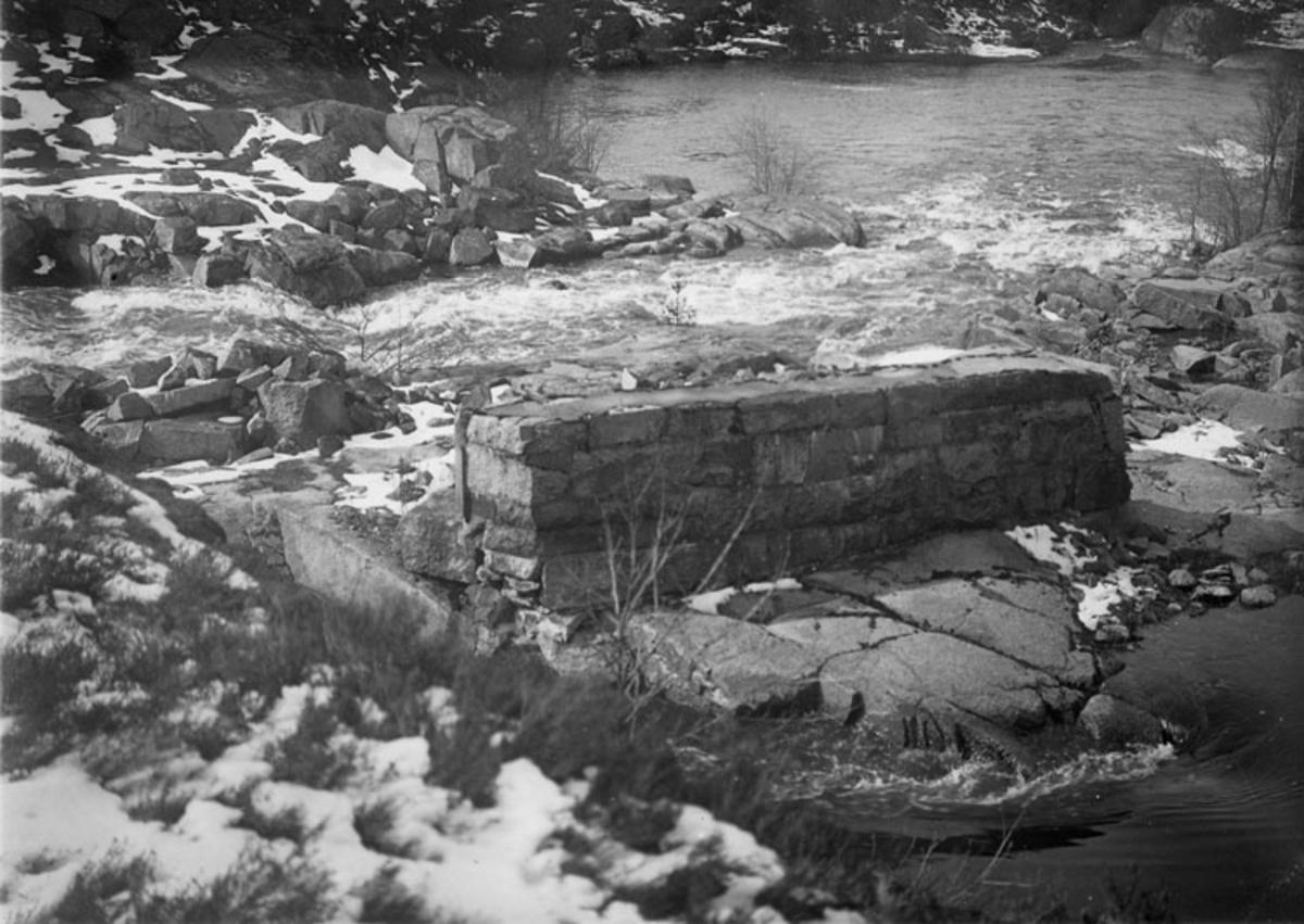 Stenfot Groröds såg, Bäveån, Uddevalla