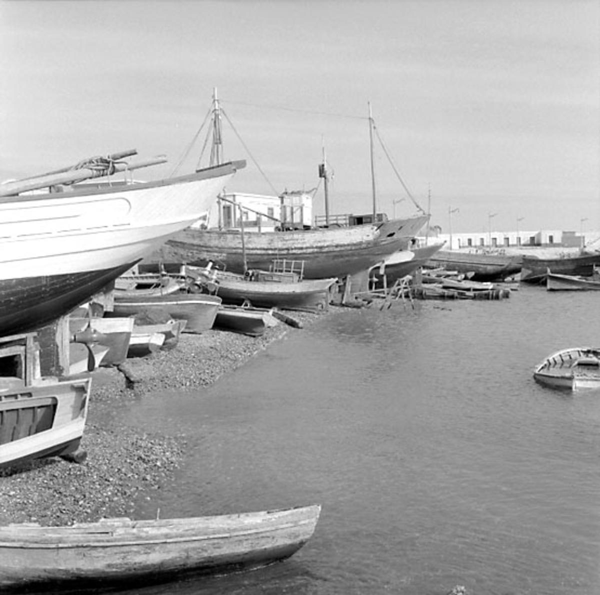 40. Spanien. Fotojournal finns på B.M.A. + fotoalbum. Samtidigt förvärv: Böcker och arkivmaterial. Foton tagna 1959-11-12. 12 Bilder i serie.