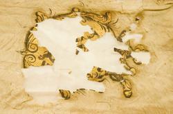 Duk: Tillverkad av enkel vit sidentaft. Tvåtungad. Kantad med dubbel frans av gult silke. Fäst vid stången med en rad tennlickor på gult band.  Dekor: Målad, omvänt lika på båda sidor, Karl XII:s namnchiffer, dubbelt C inneslutande XII, krönt med sluten krona, allt i guld. I övre inre hörnet Österbottens vapen, sex svarta hermeliner på guldfält, krönes av en öppen, gyllene krona. Konturerna målade i brunt.  Stång: Tillverkad av gulgrönmålad furu. Kannelerad ovanför greppet. Beslagen med fyra konkava järnskenor. Löpande bärring. Holk av förgylld mässing.