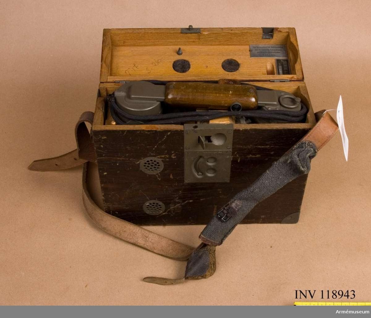 Grupp H:I. Fälttelefon tillverkad i Tyskland, provad i Sverige 1926.
