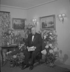 """Text till bilden: """"Byggmästare Mallén, Lyse 50 år.  45.11.2"""