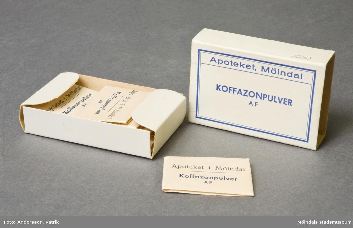 Pappersask, innehåller 8 st koffazonpulver, packade i små vikta kuvert.