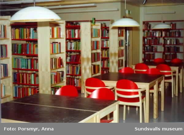 Opalen. Invigning efter omfattande renoveringsarbete. Alkoholfontänen av Björn Carnemalm (SK 3198), (för evenemanget fylld med just alkohol), invigs samtidigt med huset i övrigt.