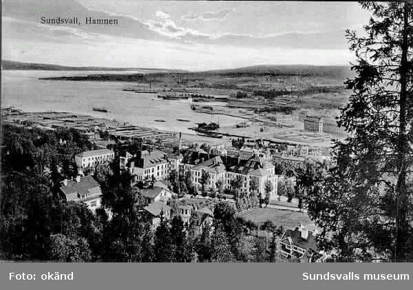 Vy över Sundsvallsfjärden och hamnen från NV