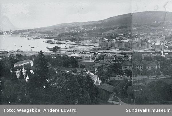Stadsvy med Norrmalm i förgrunden i mitten hamnområdet med Finnkajen i bakgrunden till vänster Stadsmon.