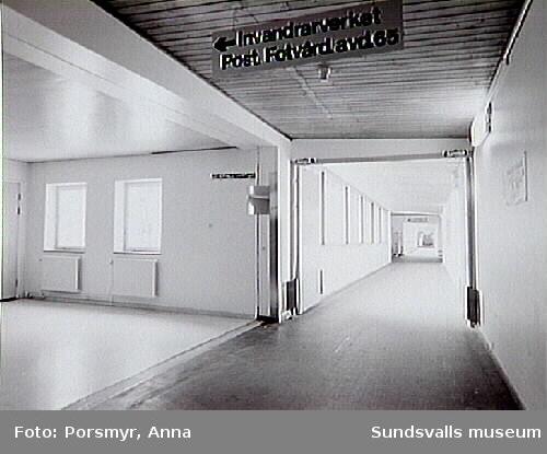 Dokumentation av f.d. Sidsjöns sjukhus, Sundsvall inför puplikation och utställning, producerade 1993.