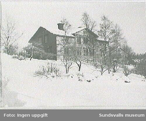 Petter Österlunds gård (e u).