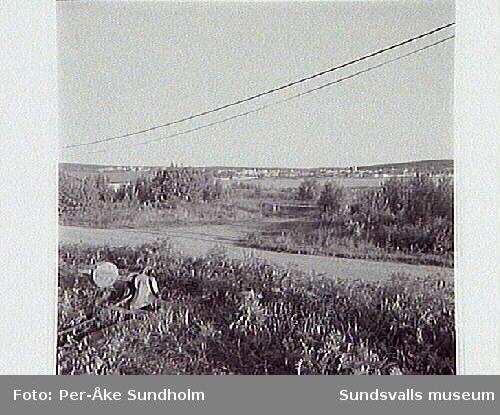 Vy från Vindskärsvarv mot den ev högbrons fäste över sundet, från SO