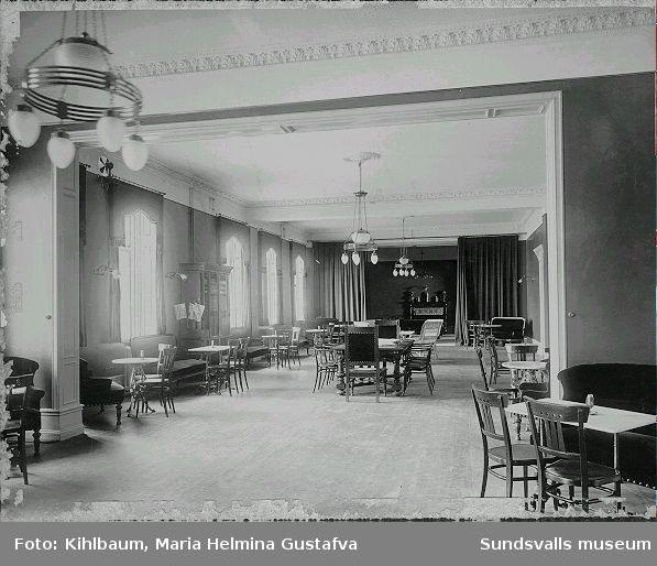 Sällskapet W6 lokaler då de köptes från Schack- och Läsesällskapet , tills de såldes till Sundsvalls stad efter 2:a  världskriget. Biljardsalongen blev stadsbibliotek. Nuvarande anv. lokalerna som kårhus.
