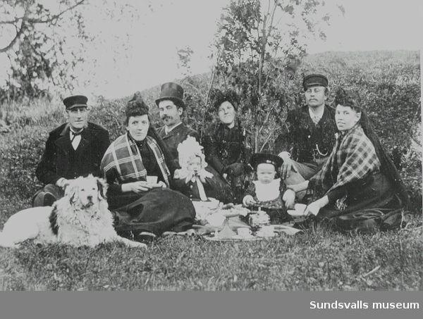 Familjen Alexi , fru Erika Eriksdotter och trol t v hennes bror Lars Ersa från Skön
