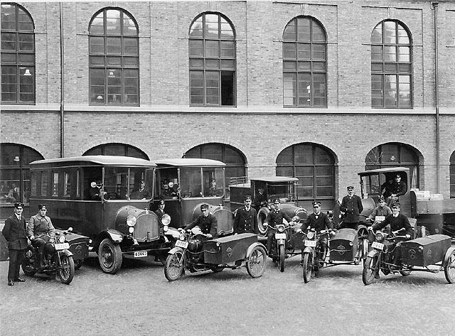Göteborg 1, postkontor. 1925.  Posthuset vid Drottningtorgeti Göteborg (posthusgården).