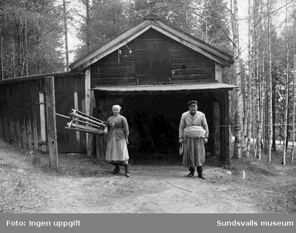Repslagare Lundgren med fosterdottern Greta