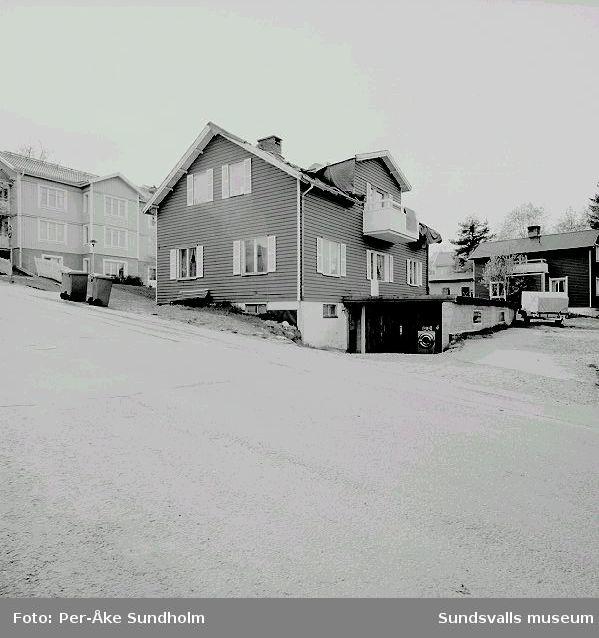 Flerbostadshus och garage, kv. Pilen 5, Stengränd 4.