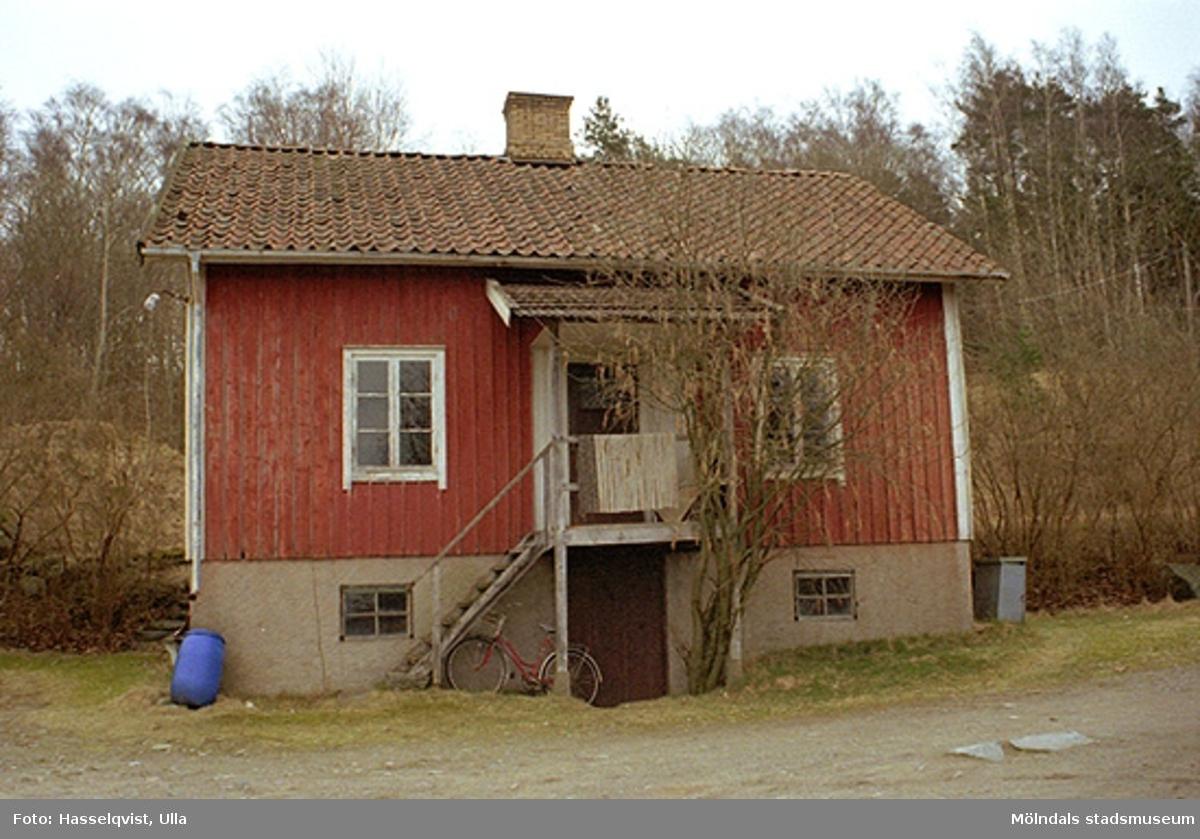 Dälavägen 97A, Gårda 2:87, 1998-04-01.
