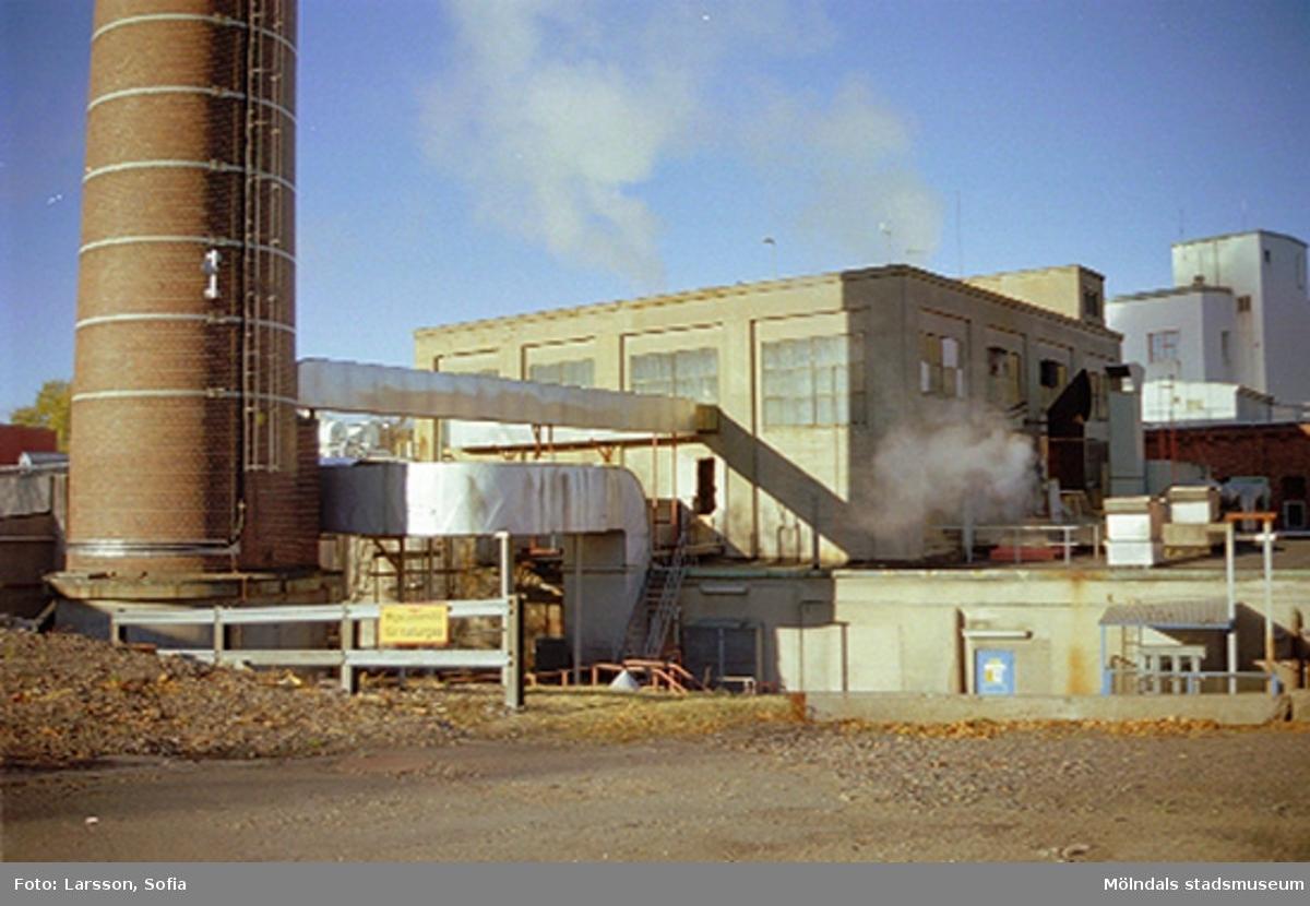 """Papyrus/Stora Enso, """"vedgården"""" samt skorstenen vid byggnad 13."""