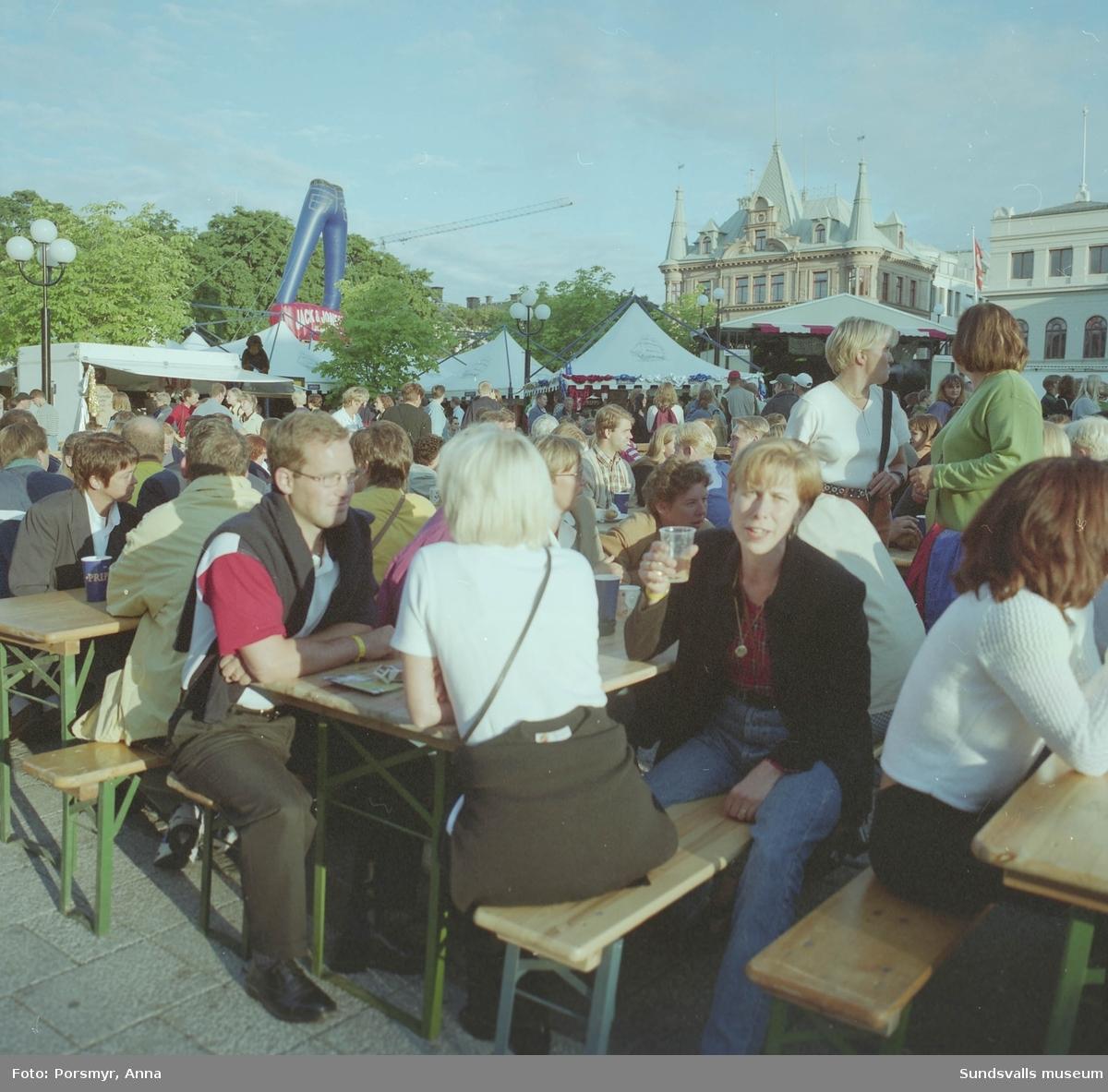 Gatufesten i Sundsvall 1997.