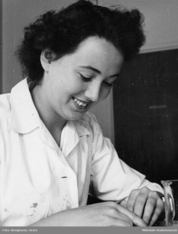 Laborant: Inger Classon 1943-1946.SOAB-Svenska Oljeslageri AB, Kvarnbygatan, Mölndal.
