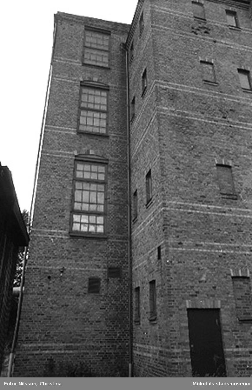 Werners fabriker, Annestorp, Lindome. Byggnadsdetaljer: Dörr och fönster. Hösten 1994.