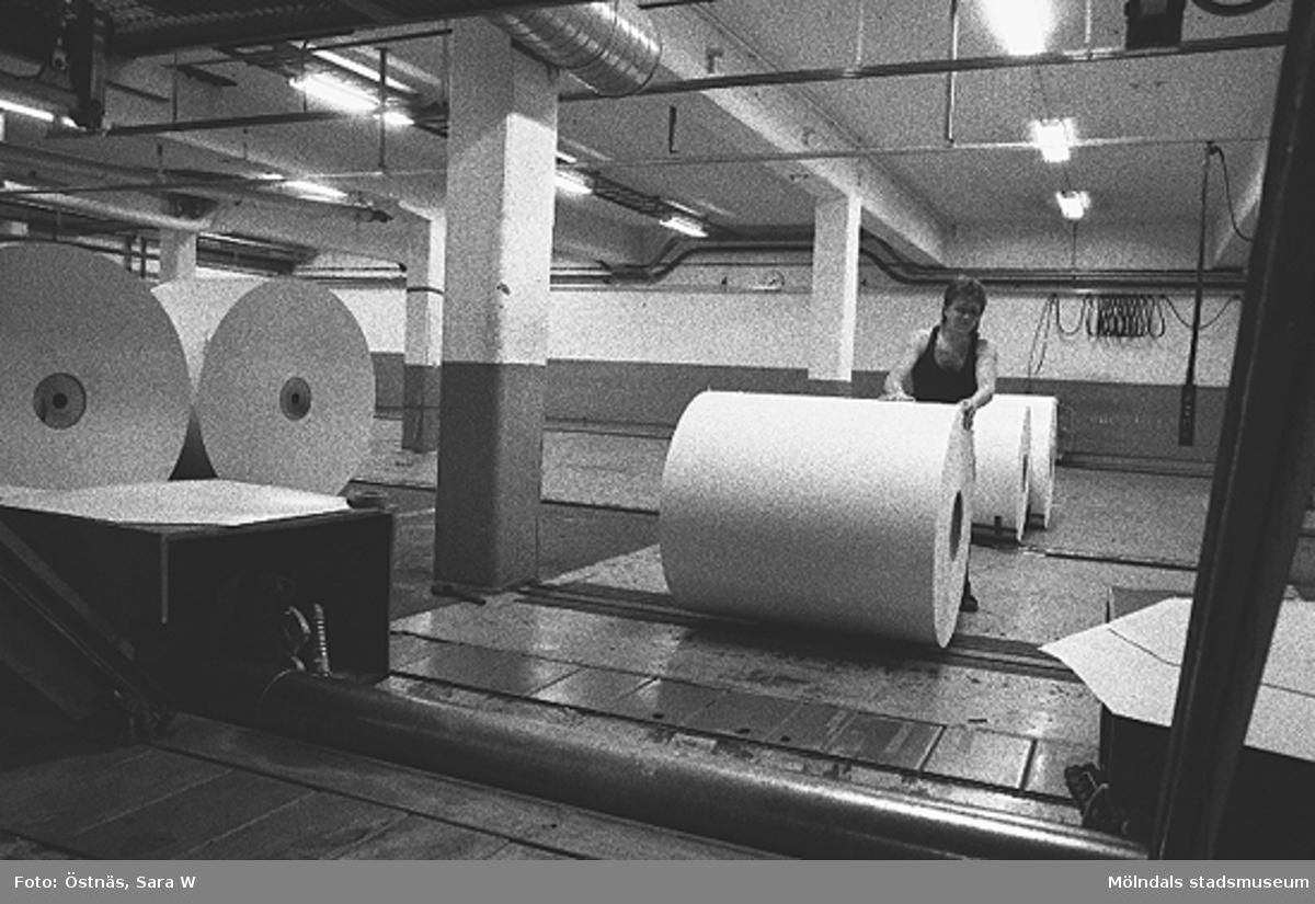 Pappersbalar.Bilden ingår i serie från produktion och interiör på pappersindustrin Papyrus.