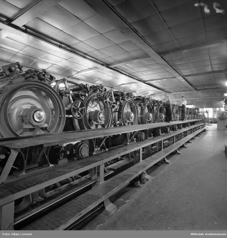 Man i arbete vid PM7 på Papyrus i Mölndal, 13/5 1955.