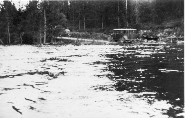 Linjerna Sollefteå - Strömsund - Jormlien - Ankarede. Postdiligensen vid översvämmad sjö. (Se ovan)?