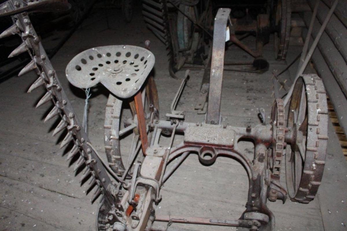 Form: Kjedetrekk, traktordrag, avleggersete.