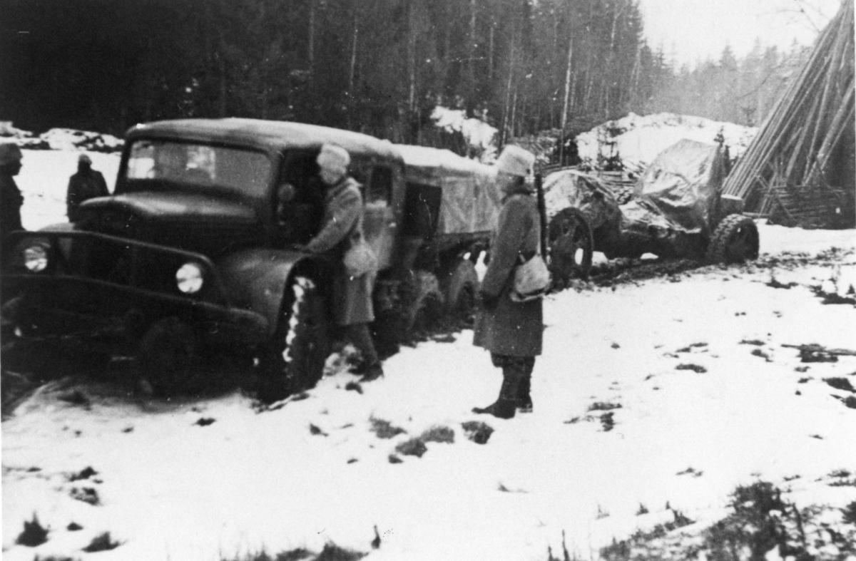 Terrängvagn m/1940 typ TVB. Lavettfordon till Haub m/1939, 15 cm. A 6.